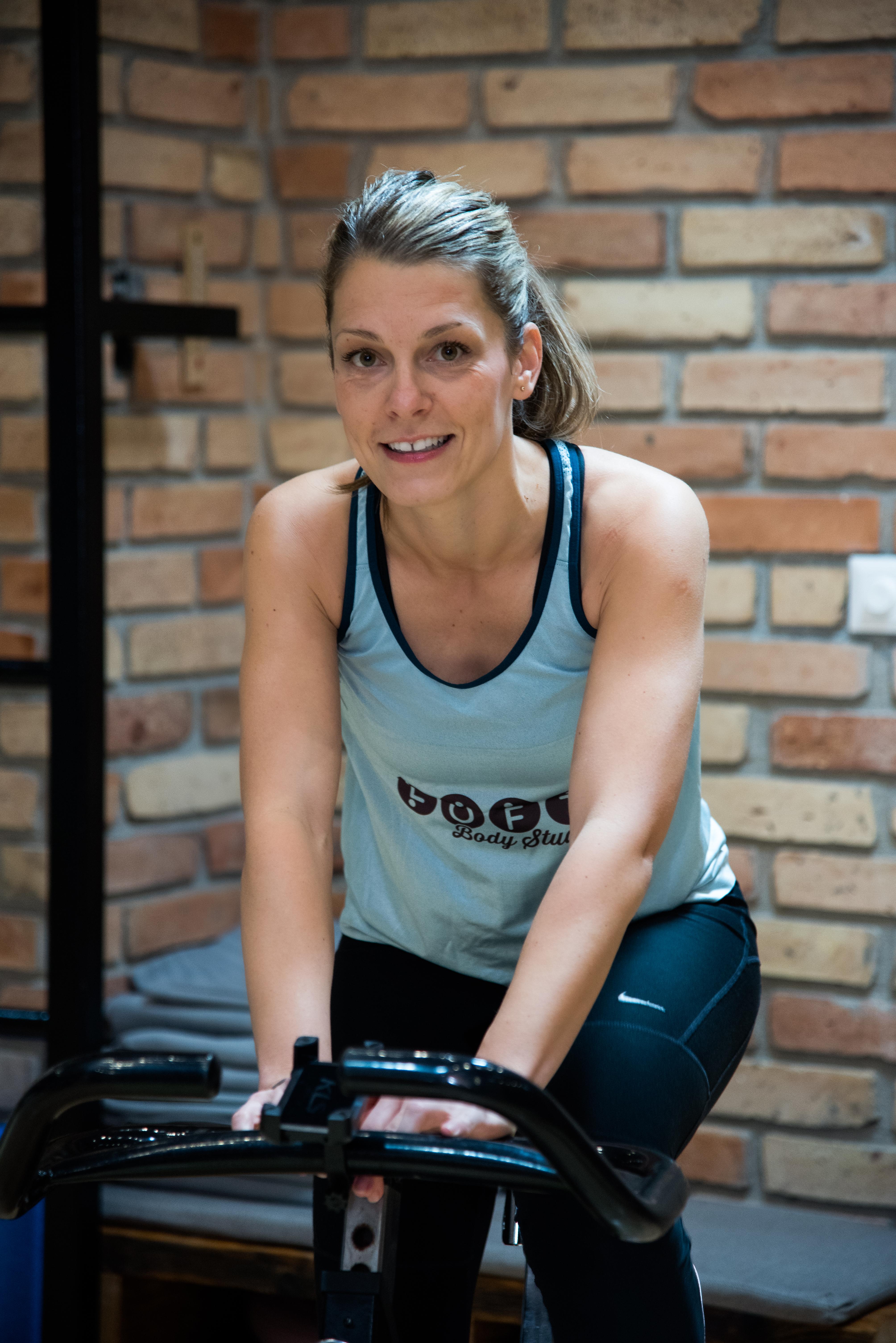 Nagy Beatrix Pipi, Indoor cycling oktató, mozgásfejlesztő gyerektorna, kézilabda sportági szakedző
